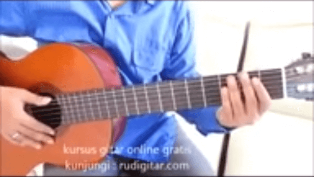 download video belajar gitar lagu bento
