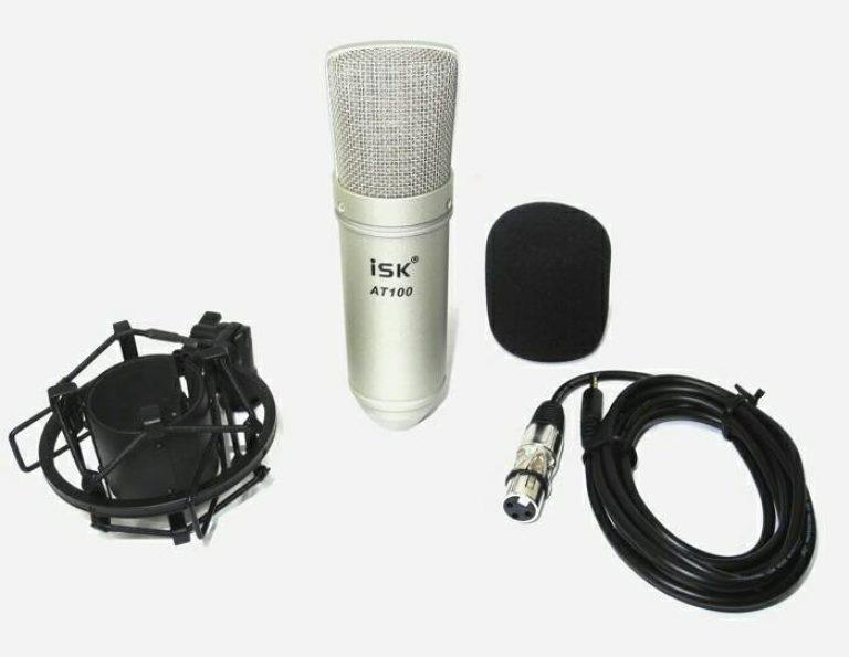 Mic Condenser adalah urutan kedua. Mic condenser adalah jenis mic yang khusus untuk merekam vocal. Mic jenis ini tidak sama dengan jenis mic dynamic yang biasanya digunakan untuk konser dan menyanyi di tempat terbuka. Mic jenis condenser ini hanya digunakan untuk proses rekaman sehingga kualtias vocal yang dihasilkan bagus.