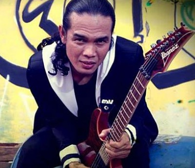 pay gitaris slank
