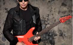 Joe-Satriani-dengan-gitar-ibanez-foto-gambar