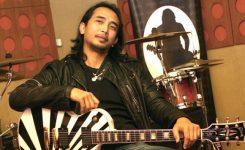 Piyu Gitaris Padi
