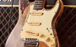 gitar elektrik fender stratocaster